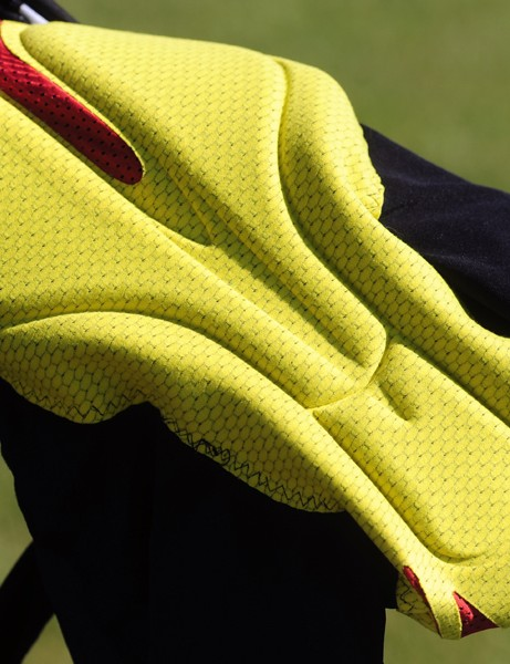 The multi-density, multi-thickness chamois gets mesh panels to help keep your privates from overheating. While the chamois was comfortable, it seemed to be stitched a little too far in the body