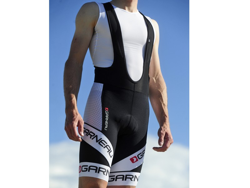 The Louis Garneau Mondo Bib shorts offer a perfect fit for all-day road rides along with bold styling that's not too over-the-top