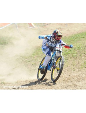 Myriam Nicole (Riding Addiction Commencal) won the final round