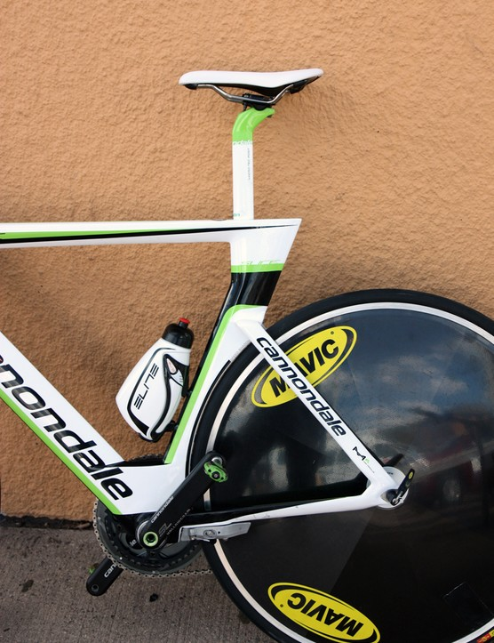 Last year's smoothly curving seat tube has changed into a much more angular bit on the new Cannondale Slice
