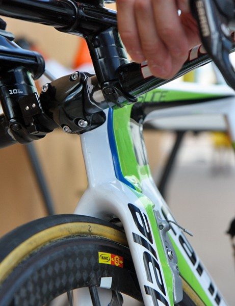 Cannondale include an aero-shaped faceplate on their new Slice time trial bike
