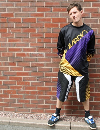 Sombrio Duster jersey and Charger shorts