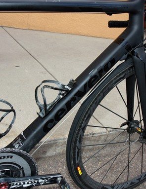 The down tube of Tom Danielson's (Garmin-Cervélo) Cervélo R5ca uses the company's long-running 'squoval' tube shape.