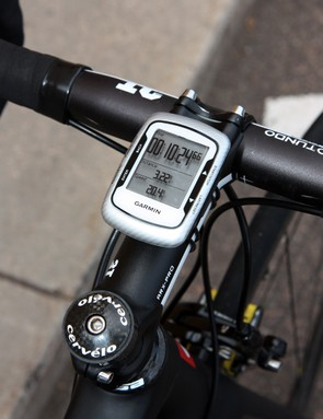 Not surprisingly, the Garmin-Cervélo team is outfitted with Garmin Edge 500 computers.  Tom Danielson's actual computer head wasn't available for the photo shoot, however, hence the new unit shown here with its dead battery and dummy display.
