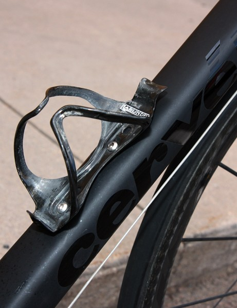 More carbon fiber is found in the Arundel Mandible bottle cages.