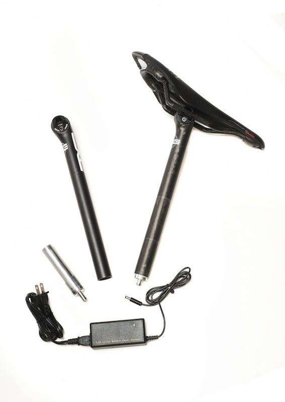 Calfee's Di2 internal battery kit