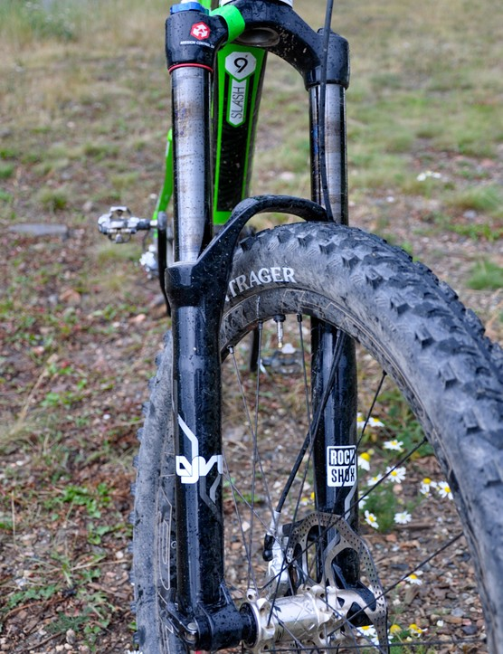 Schnell's 170mm RockShox BlackBox Lyrik with 2012 internals features DLC-coated stanchions