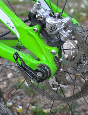 Schnell uses SRAM X0 brakes with 180mm rotors, front and rear