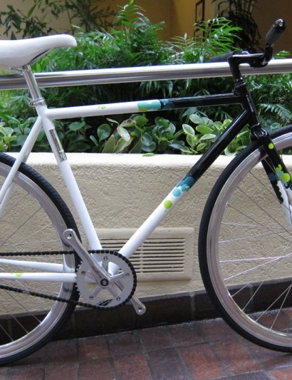 Fixed-gear bikes are all the rage with metro hipsters but they're funtional and durable too