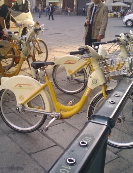 Milan, Italy's free yellow public bikes