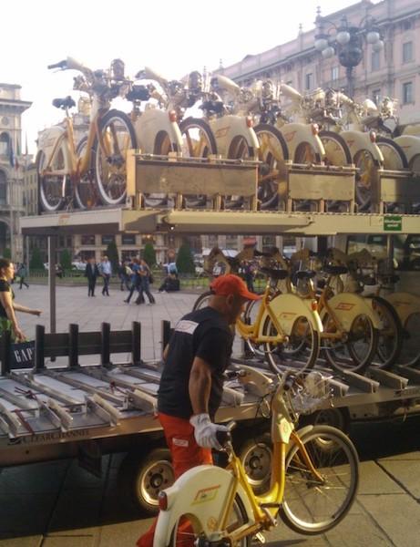 Redistributing Milan's public bikes