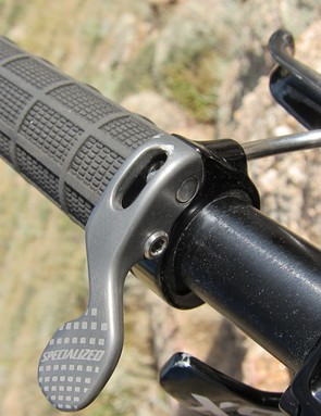 The Command Post's remote lever is integrated with a Specialized lock-on grip