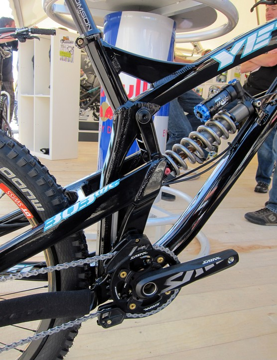 The stainless steel rail on Yeti's new 303 WC is protected from rear wheel spray by the thin seat tube