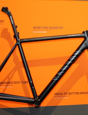 The revamped Canyon Ultimate AL frameset boasts a lighter weight and shapelier tubes for 2012