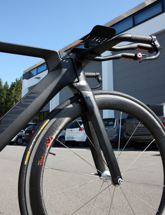 Canyon has moved to an external steerer for the carbon fork on its Speedmax CF prototype time trial bike