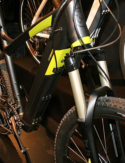 The off-road E-Hybride features a Fox 32F fork with 120mm of travel. A road version, which wasn't on show at Eurobike, is also available, with front suspension and Schwalbe Big Apple tyres