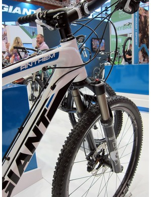 Giant fit the Anthem X Advanced 2 with the same OverDrive 2 super-oversized and tapered steerer as on the top-end model