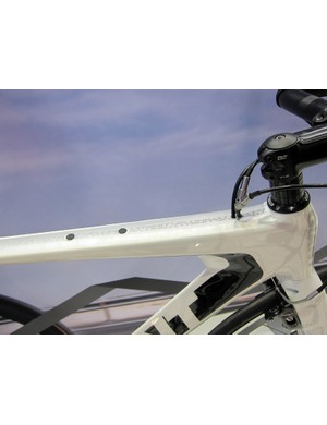 The internally routed cables on the Giant Trinity Composite frames are fed into the top tube