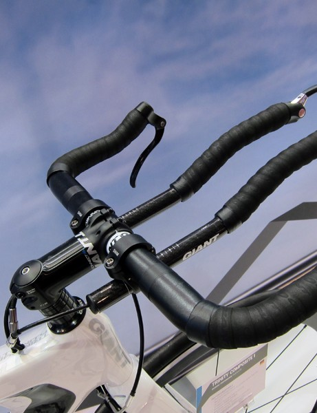 The conventional aerobar setup on the Giant Trinity Composite bikes allows for a taller position that's also easier to adjust than on the flagship model