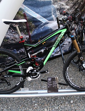 The 162 is Saracen's top-spec Ariel 160 all-mountain bike