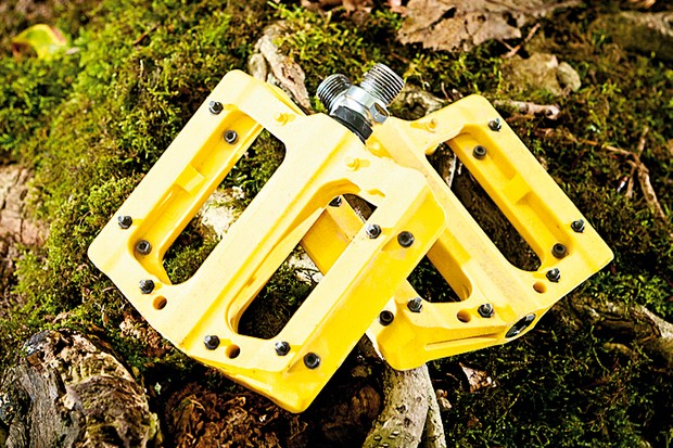 Nukeproof Electron flat pedals