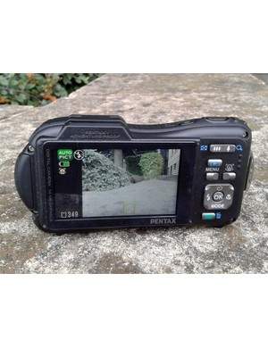There's no viewfinder on the Pentax Optio WG-1 GPS but the 2.7in screen is fine in anything but bright sunlight