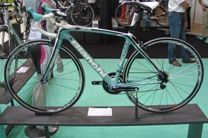 Bianchi's 2012 Infinito Dama-Bianca is based on their successful Infinito men's sportive bike
