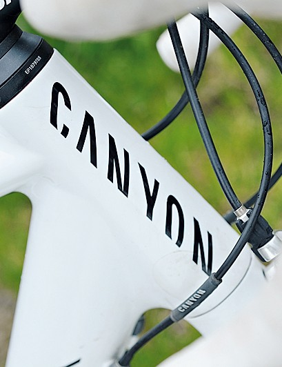 Precision steering oversized head tube, fork and stem are locked in place with a cunning external collar system
