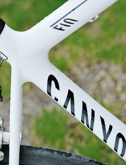 Canyon were the first to use an asymmetric seat tube design to lock down drive torque