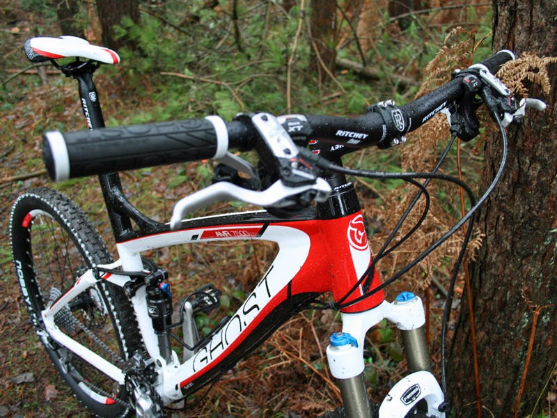 The Ghost AMR 7500 is decked out with quality Shimano and Ritchey kit