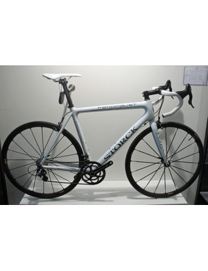 The 6.6kg Storck Fenomalist with Camagnolo Super Record groupset and Mavic R-Sys wheels