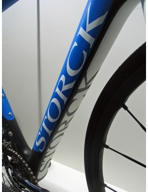 The Storck Absolutist's down tube has a squared-off underside