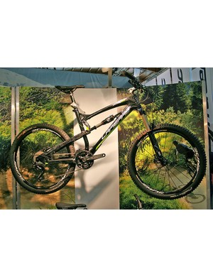 There'll be three versions of the Spicy for 2012 - two alloy versions and the full-carbon 916. There'll be six Zesty model - three alloy and three carbon. Shown here is the full-carbon 514, with Fox Float RP2 shock and RockShox Revelation RL fork