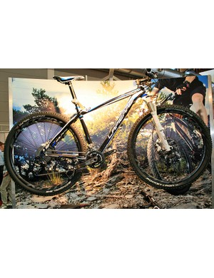 Three Pro Race 29er models are available from Lapierre for 2012, including this full-carbon 929 version