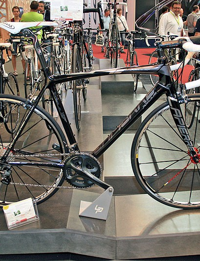 The Lapierre Xelius is unchanged for 2012, apart from modifications to the chainstays to distinguish each of the four frames in the range