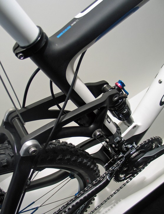 Storck's Adrenalin 2.0 shares its tubing profiles and one-piece rear end with the pricier 1.7