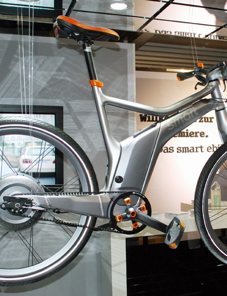 Smart's e-bike will only be available at car dealerships