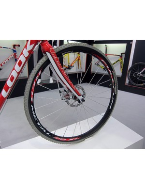 Look displayed their new X-85 disc-only 'cross bike with Fulcrum Red Metal 29 XL mountain bike wheels