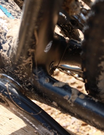 Cronus CX has ample chainstay mud clearance due to the wide BB90 bridgeless design