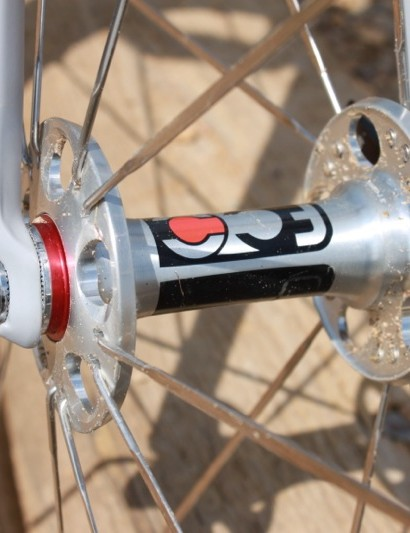 The massive 25mm end-caps on the FCC front hub seemed to add stiffness to the system