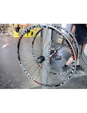 Ritchey's Zeta aluminum clinchers use a crow's-foot lacing pattern out back for improved lateral stiffness