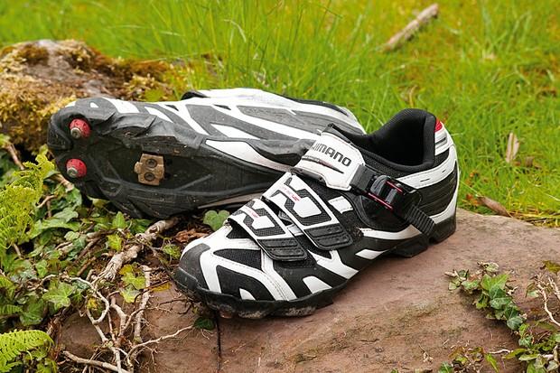 Shimano M161 shoe