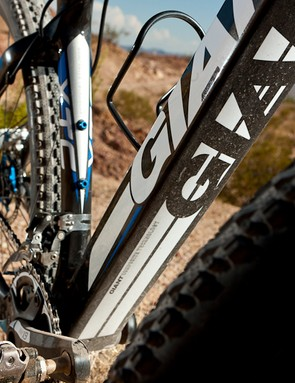 The downtube on the XTC Composite 29er is shoebox sized - it's massive!