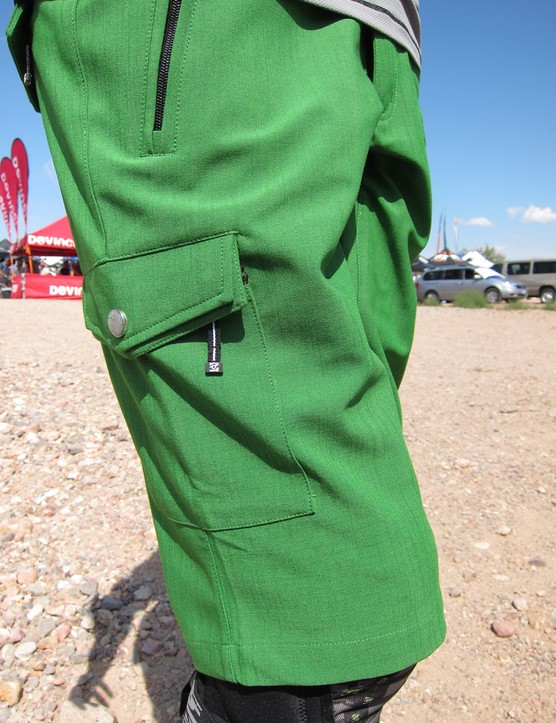 Race Face gives the women's-specific Khyber shorts a durable, tweed-like fabric