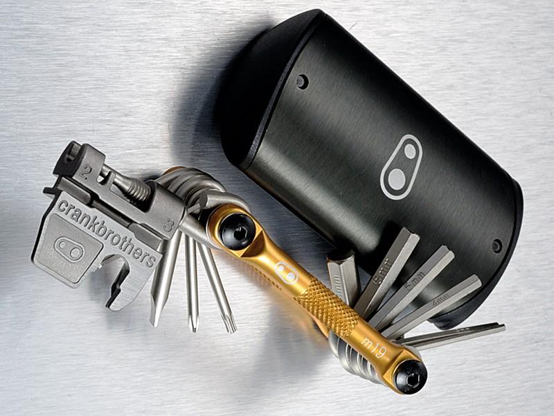 Crank Brothers M19 multitool