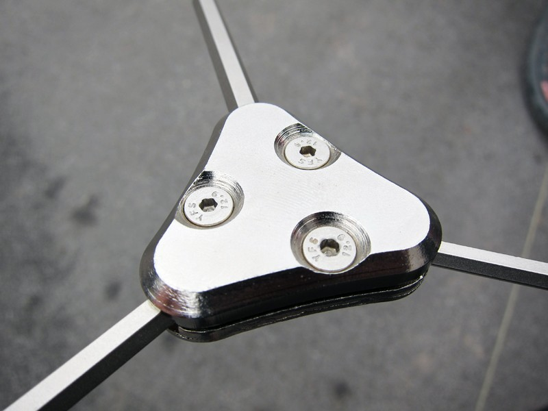 The clamp-together design of Lezyne's new three-way wrenches means that individual bits can be replaced once they become worn.  Lezyne even includes an extra set with every tool.