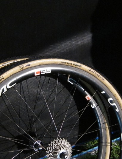 Aernouts spare Shimano Dura-Ace C35 tubulars with Vredestein tires made by Dugast
