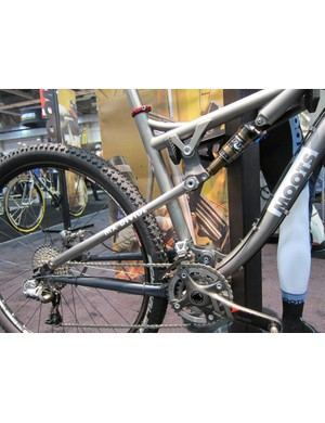 Moots uses a simple single-pivot design for its new Divide and MX Divide full-suspension bikes for 2012