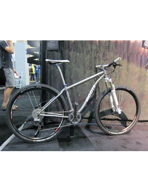Moots will update its Mooto X RSL with a double-curved down tube and longer 100mm-travel front end for 2012
