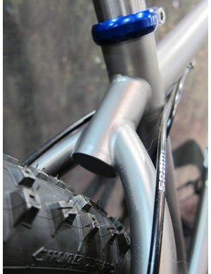 The wishbone is neatly capped on the Moots Mooto X RSL